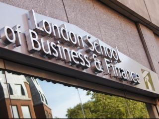 London School of Business and Finance фото 1