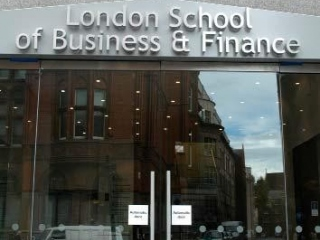 London School of Business and Finance фото 3